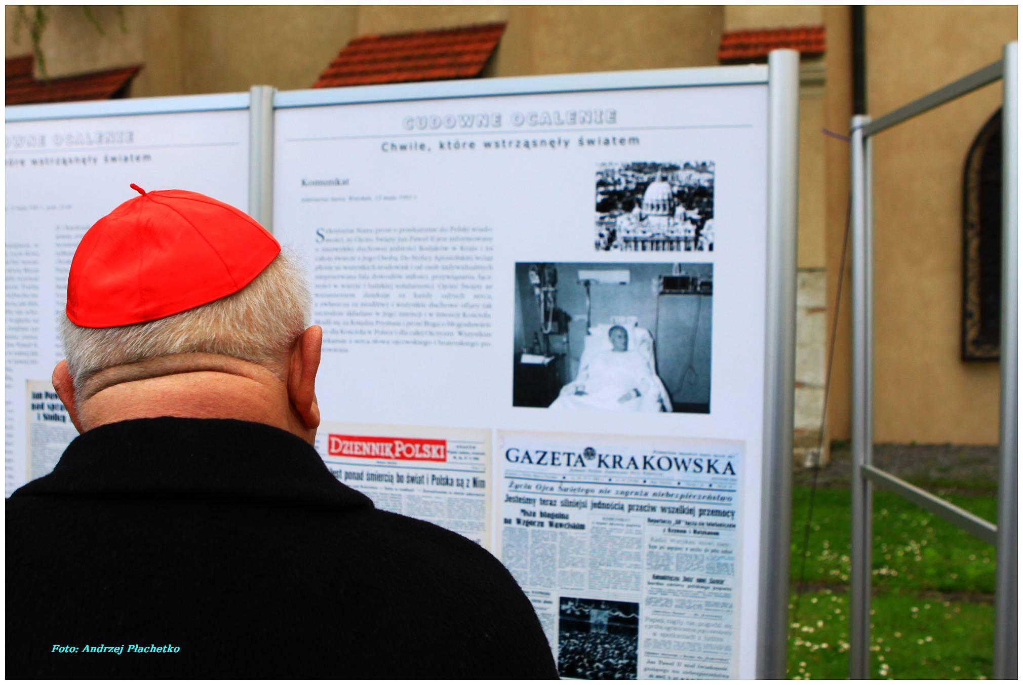 """Fotorelacja z otwarcia wystawy """"Biały Marsz 1981"""""""